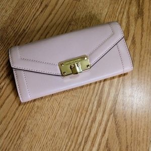 Michael Kors Kinsley Carryall Leather Wallet